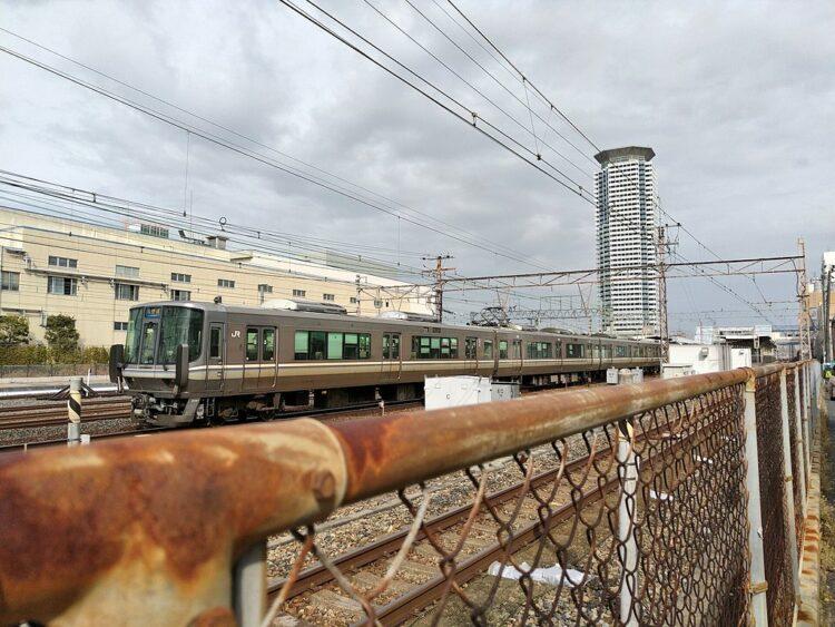 人身 富田 駅 富田駅で人身事故 阪急京都線が遅延「明らかに変な音」飛び込み自殺か